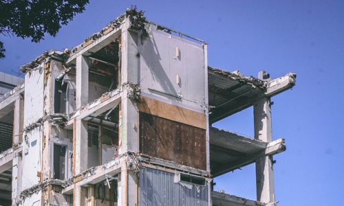 Potres-urušena zgrada