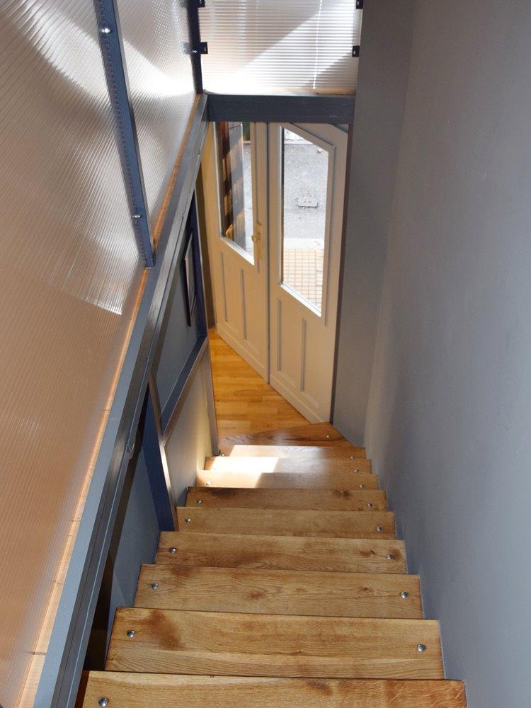 Stepenice u poslovnom prostoru